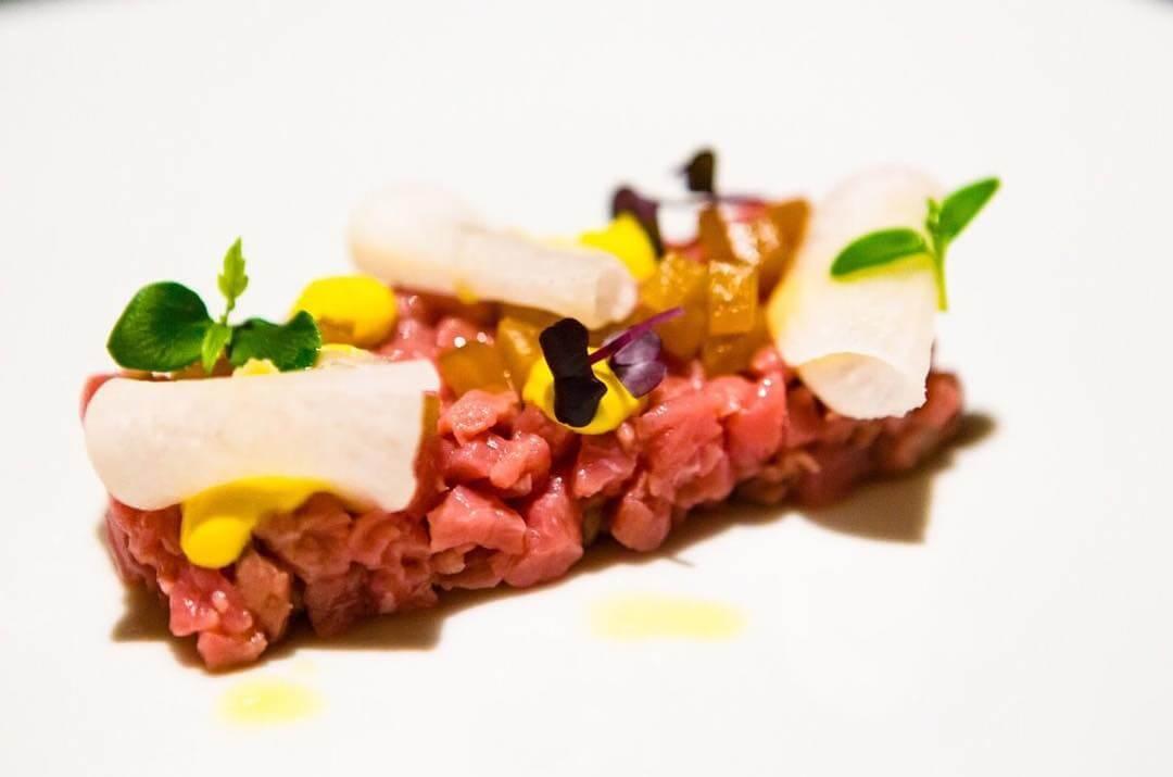 Carne cruda battuta al coltello Vicolo Battisti